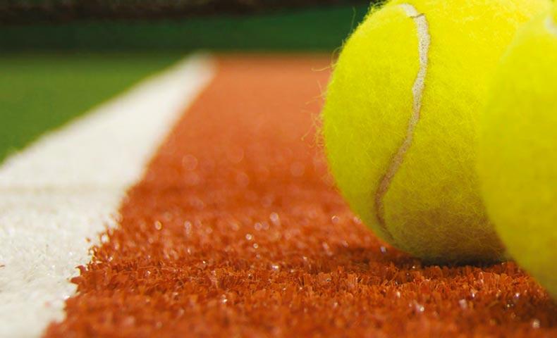 tenis cesped artificial
